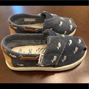 Whale Toms (size 7)
